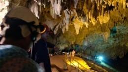 МЧС готово вызволить школьников иззатопленнойпещере вТаиланде
