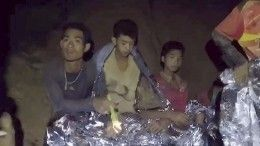ВТаиланде меняют план спасенияшкольников иззатопленной пещеры