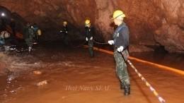 «Хотим поесть вкусной еды»— заложники пещеры вТаиланде написали письма близким