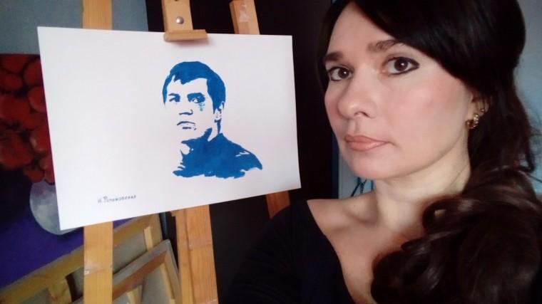 Рисующая грудью петербурженка объяснила, зачем изобразилаДзюбу плаксой
