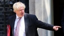 Почему Борис Джонсон покинул правительство Терезы Мэй