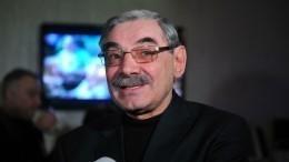 69-летний Панкратов-Черный вовремя съемок сломалдваребра