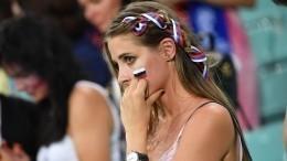 ФИФА выступила против красавиц натрибунах