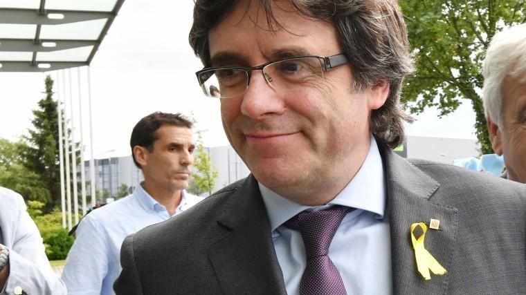 СМИ: Немецкий суд разрешилпередачу Пучдемона Испании