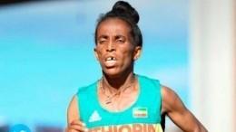«Еевнуки смотрели стрибун»— вTwitter высмеяли 16-летнюю эфиопскую бегунью