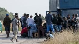 ВЛивии восемь нелегальных эмигрантов погибли отудушья вгрузовике