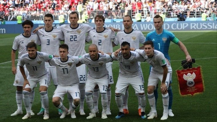 Футболистов сборной России наградят вГосдуме