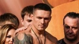 Украинский боксер Усик рассказал, кому посвящает победу над Гассиевым