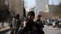 Террорист-смертник подорвался уаэропорта Кабула, погибли16 человек