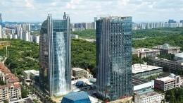 ВКитае появился небоскреб-водопад— видео