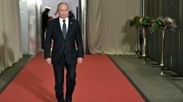 Перед парадом коДню ВМФ Владимир Путин посетил Петропавловскую крепость