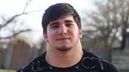 «Чеченский Халк»— 17-летний школьник накачал шею более полуметра вдиаметре