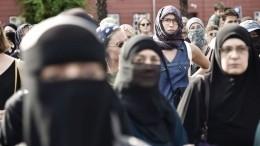 ВДании впервые оштрафовали мусульманок заношение закрывающей лицо одежды