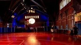Nike сделала изчикагской церкви баскетбольную площадку
