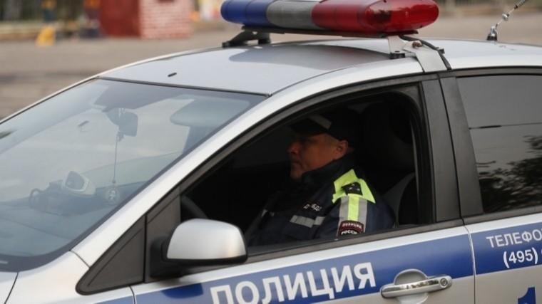 Накопившегоштрафов на1,5 миллиона рублей водителя задержали вВолгограде