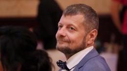 «Ты— бородатая женщина!»— украинские депутаты подрались, споря, кто изних гей