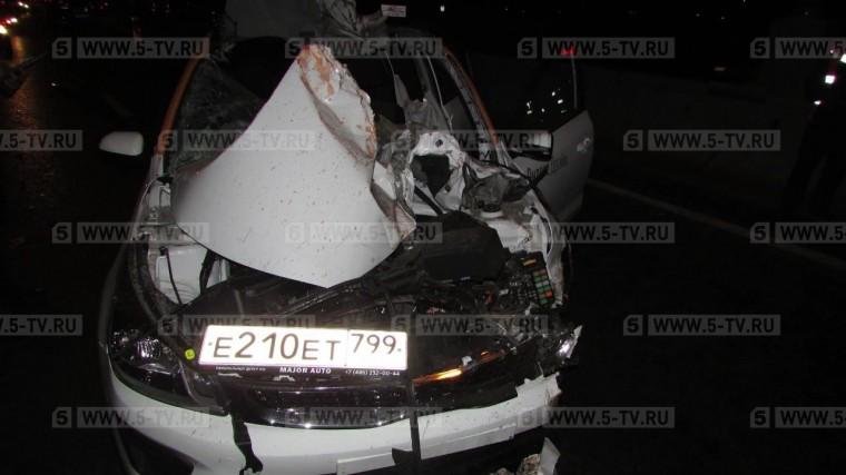 «Дал порулить»: автолюбителя, погибшего вДТП, проткнуло «дворником» машины