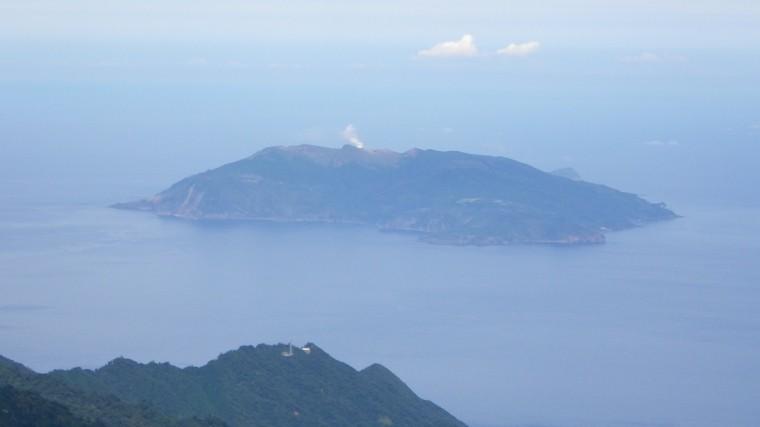 Мощнейшее извержение вулкана угрожает Японии
