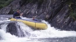 Запотерявшими лодку седой иаптечкой туристами наКолыме вылетел вертолет