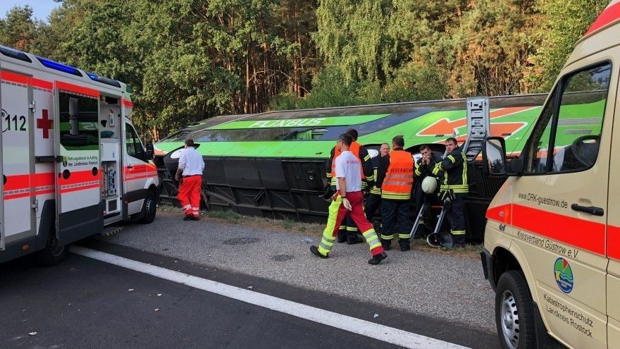 Автобус перевернулся в Германии