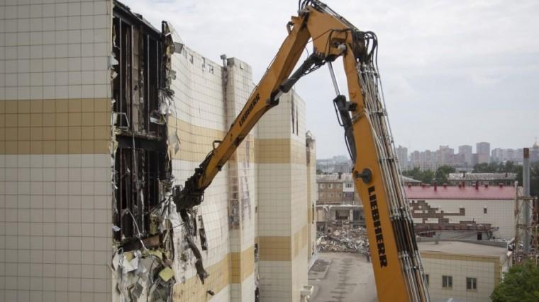 «Зимней вишни» больше нет: вКемерово полностью снесли сгоревший торговый центр