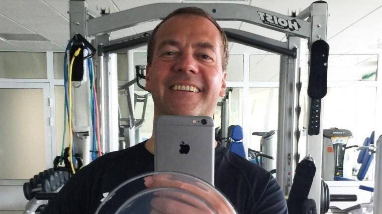 ВКабмине рассказали отравме, которую получил Дмитрий Медведев