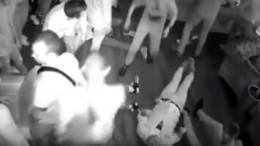 Видео: «тамбовский вышибала» пришел вклуб, чтобы «избить побольше» посетителей