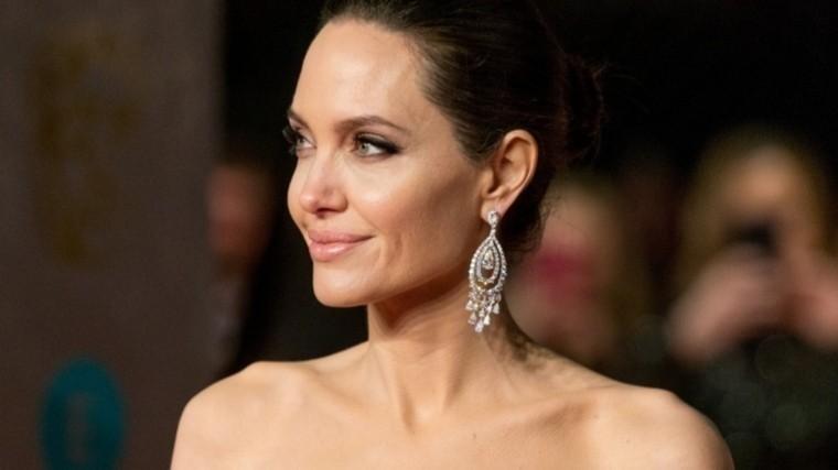 Star: Анджелина Джоли находится награни полного истощения из-за развода