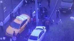 Задержание протаранившего людей вМоскве 20-летнего водителя сняли навидео