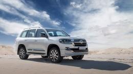 Toyota представила вРоссии новый Land Cruiser 200 за5,7 миллиона рублей