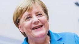 Ангела Меркель публично оскорбила Терезу Мэй— видео