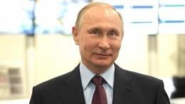 Владимир Путин приехал нагонки «Формула-1» вСочи