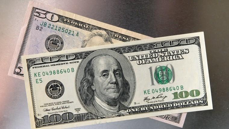 Такое необсуждается: вправительстве опровергли отказ отдолларовых расчетов