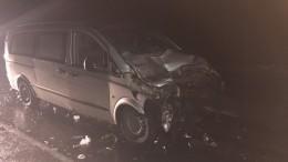 Под Курском микроавтобус въехал вКамАЗ, девять человек ранены