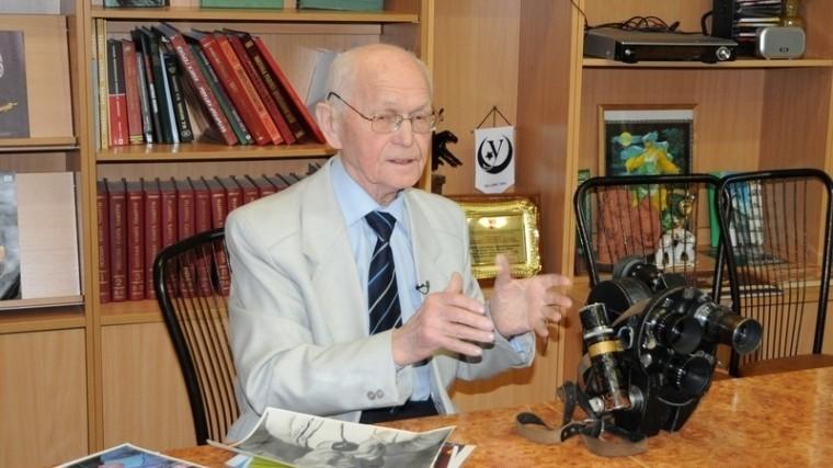 Умер снимавший Гагарина иТерешкову режиссер Махмуд Рафиков