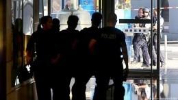 Неизвестные захватили заложников врайоне железнодорожного вокзала вКельне