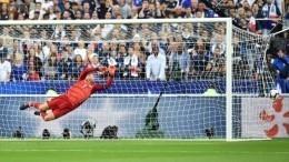 Франция 2:1 Германия: лучшие моменты матча навидео
