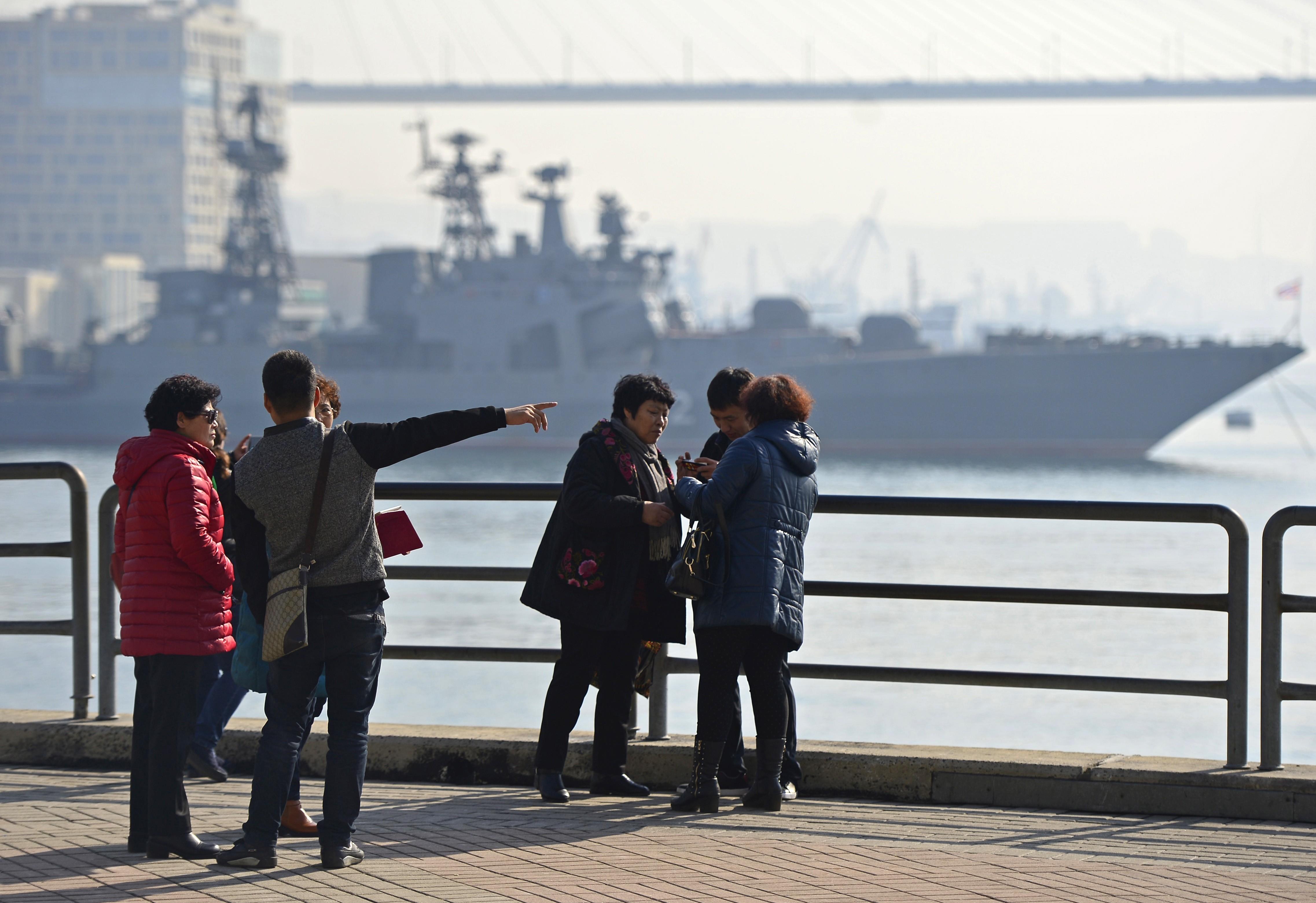 Китайские туристы во Владивостоке