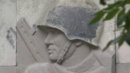 Снос памятника Благодарности Красной армии продолжили вВаршаве