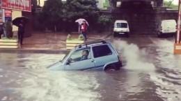 «Ока, которая смогла»— наКубани аплодировали машине, победившей стихию