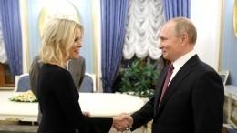 Журналистка, бравшая интервью уПутина, потребовала $50 миллионов из-за увольнения