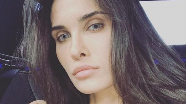 Хакеры опубликовали интимные фото жены футболиста Мамаева ипевицы Ковальчук