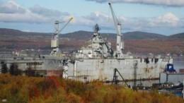 При выходе крейсера «Адмирал Кузнецов» затонул плавучий док, есть пострадавшие