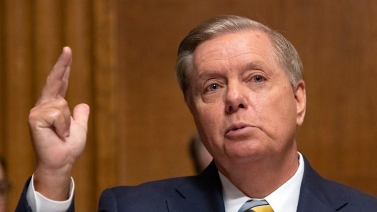 Сенатор Грэм поддержал отмену права гражданства США порождению