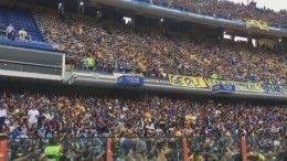 Десятки тысяч аргентинских фанатов превратили скучную тренировку вяркое шоу