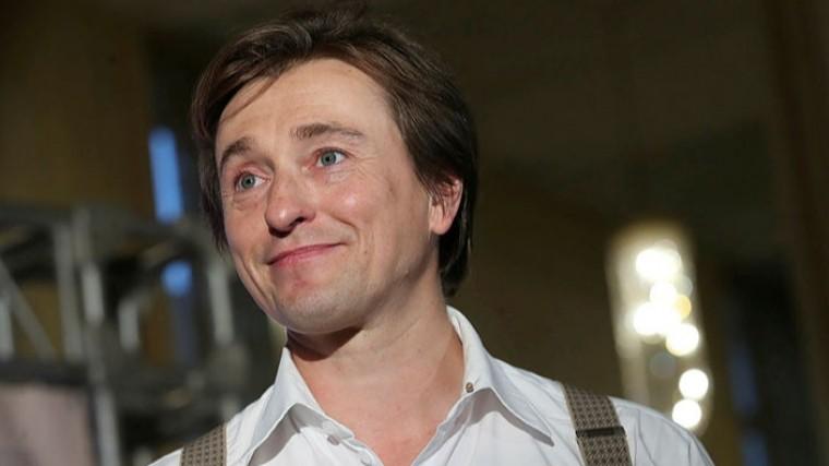 Безруков передал привет родившей жене спремьеры еефильма