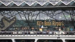 Самолет сАнгелой Меркель наборту совершил вынужденную посадку вКельне
