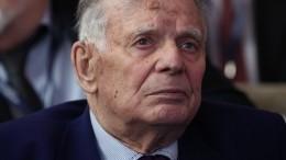 Стала известна причина госпитализации академика Алферова