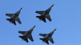 Высший пилотаж вчесть юбилея: завораживающие полеты Су-35