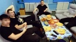 Всети появились новые фото шикующего вколонии Вячеслава Цеповяза